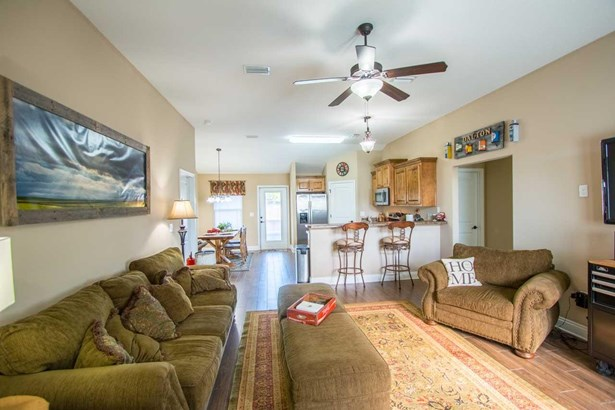 RES DETACHED, TRADITIONAL - PACE, FL (photo 3)