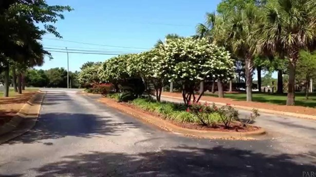 RESIDENTIAL LOTS - NAVARRE, FL (photo 3)