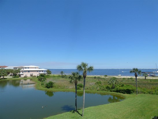 CONDO, TRADITIONAL - GULF BREEZE, FL (photo 1)