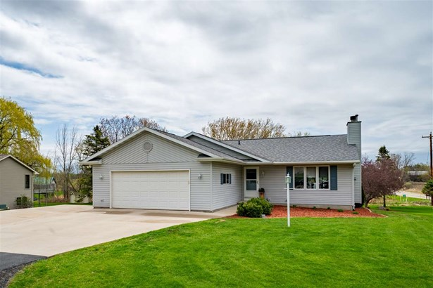 1 Story, Ranch - Larsen, WI