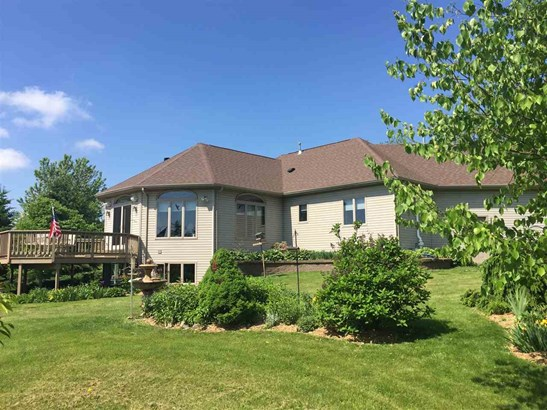 1 Story, Residential - LARSEN, WI (photo 2)
