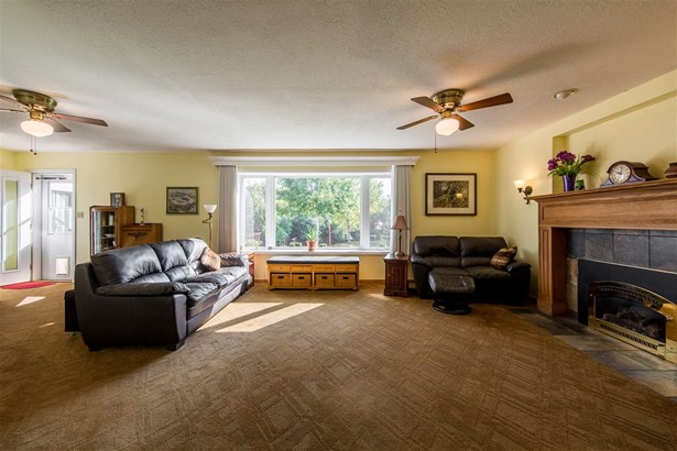 1 Story, Residential - BERLIN, WI (photo 3)