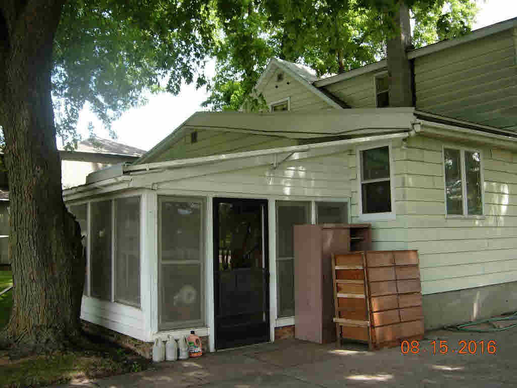 2 side by side,2 Story, Duplex (2 Unit) - OSHKOSH, WI (photo 2)