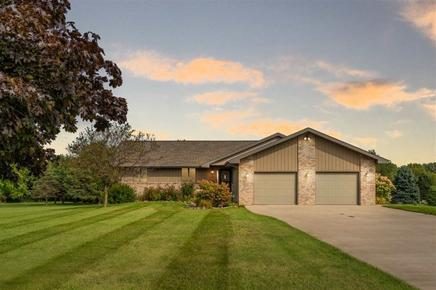 1 Story - Greenville, WI