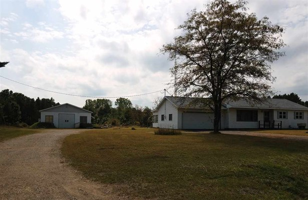 1 Story, Residential - WILD ROSE, WI (photo 2)