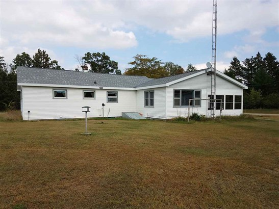 1 Story, Residential - WILD ROSE, WI (photo 3)