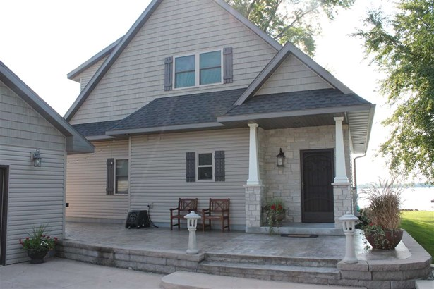 1.5 Story, Residential - WINNECONNE, WI (photo 2)