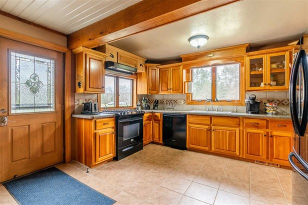 1 Story, Ranch - Redgranite, WI (photo 5)