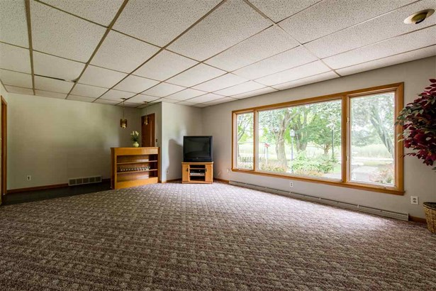 1 Story, Residential - BERLIN, WI (photo 4)