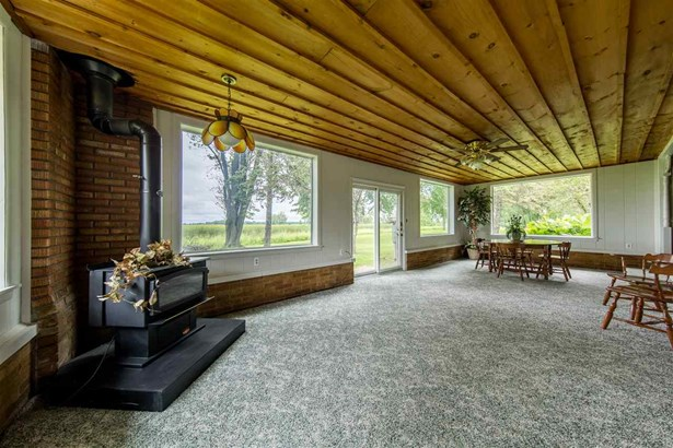 1 Story, Residential - BERLIN, WI (photo 5)