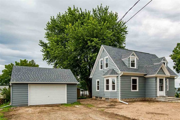 1.5 Story, Residential - WINNECONNE, WI (photo 3)