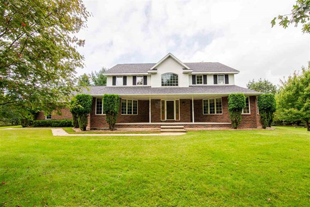 Residential, 2 Story - FREMONT, WI (photo 1)