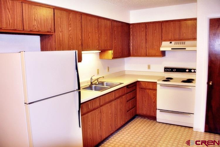 Garden/Low Rise Apts, Apartment Bldg. - Durango, CO (photo 3)