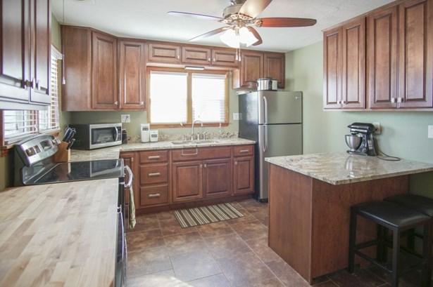 K. Kitchen (photo 5)