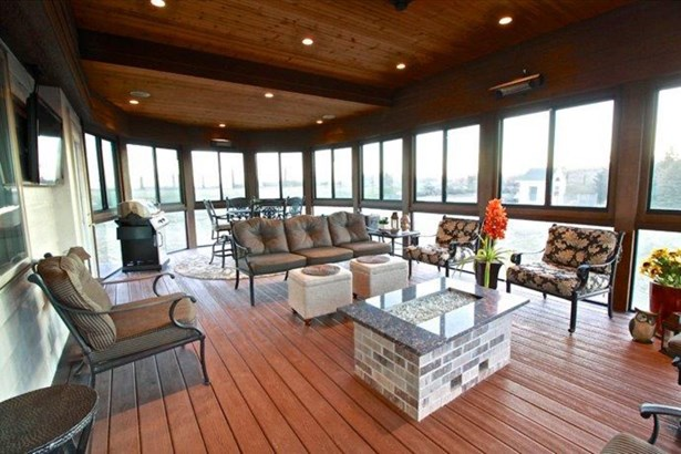 G. 4 season porch (photo 4)