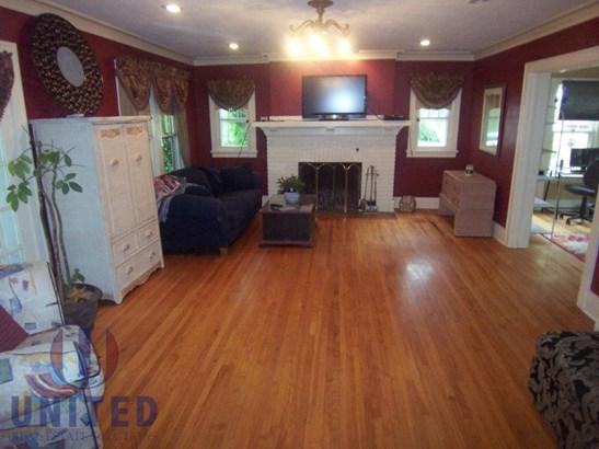G. Living room (photo 1)