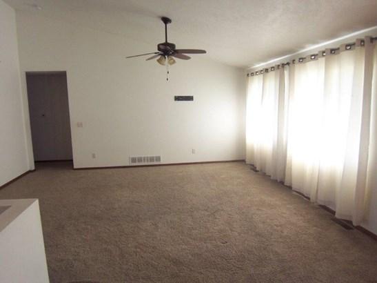 D. Living room (photo 1)