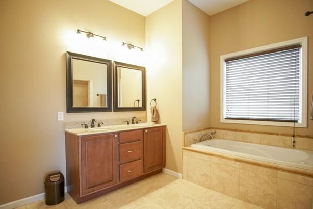 3300 Glen Ellen Rd, Sioux City, IA - USA (photo 2)