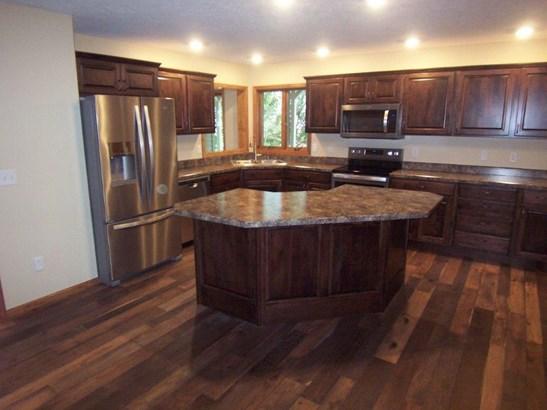 G. Kitchen (photo 3)