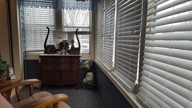 3 season porch (photo 4)