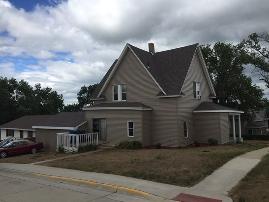 223 W Grand St, Hinton, IA - USA (photo 4)