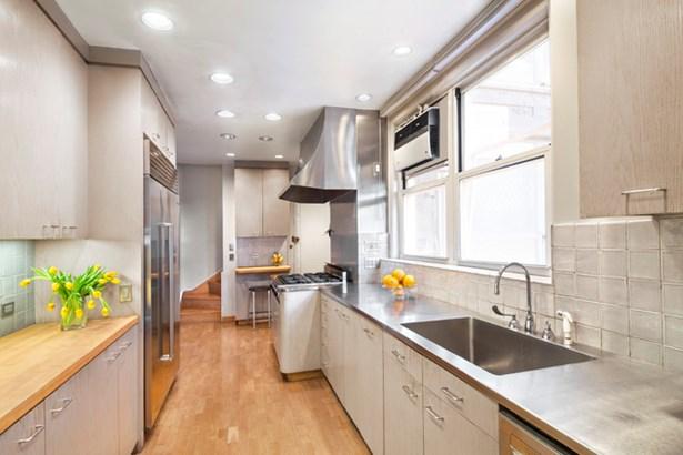 925 Park Ave. 9/10c, New York, NY - USA (photo 5)