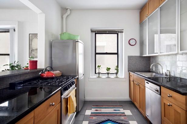 930 St Nicholas Ave. 7, New York, NY - USA (photo 3)