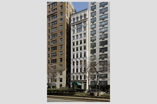 807 Park Ave.., New York, NY - USA (photo 1)