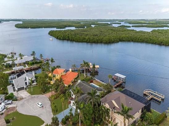 640 Randy Ln, Fort Myers Beach, FL - USA (photo 5)