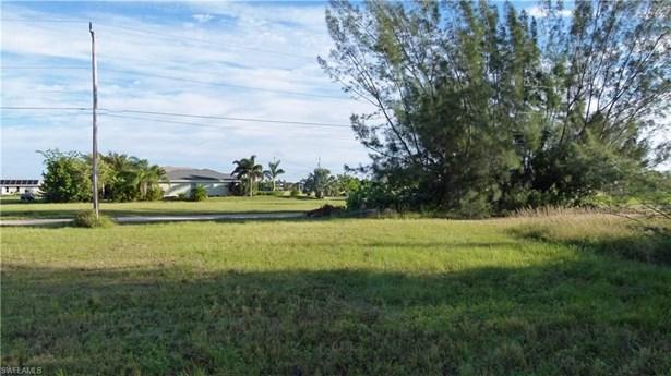 3704 10th St, Cape Coral, FL - USA (photo 4)