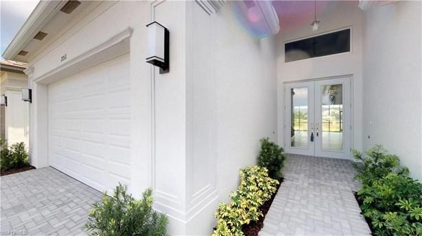 28511 Wharton Dr, Bonita Springs, FL - USA (photo 2)