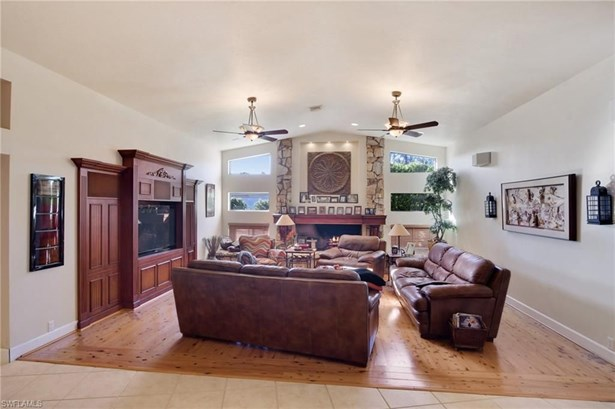 15451 Sweetwater Ct, Fort Myers, FL - USA (photo 3)