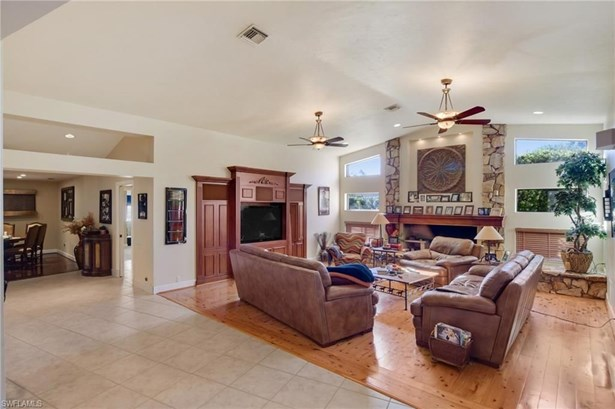 15451 Sweetwater Ct, Fort Myers, FL - USA (photo 4)