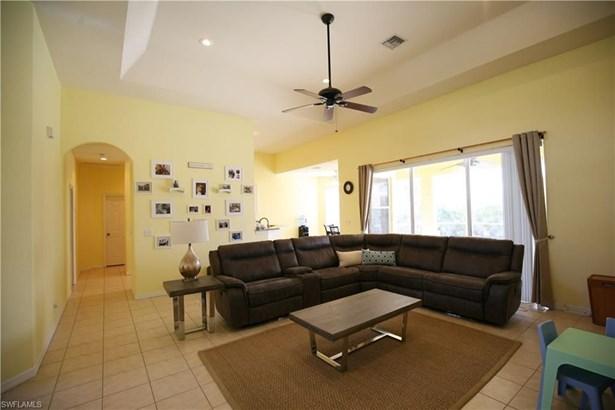 2858 4th Ter, Cape Coral, FL - USA (photo 2)