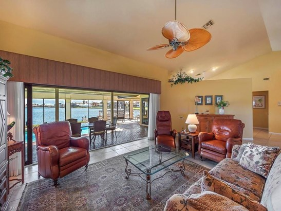 1265 Winterberry Dr, Marco Island, FL - USA (photo 2)