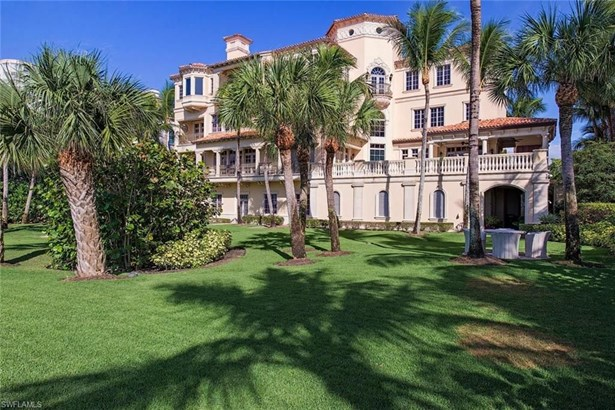 7621 Bay Colony Dr, Naples, FL - USA (photo 2)