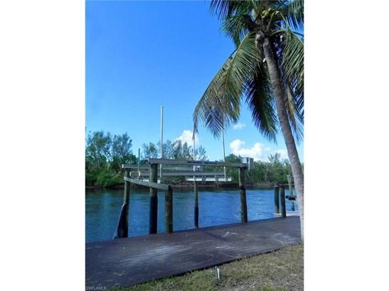 202 Storter Ave, Everglades City, FL - USA (photo 2)
