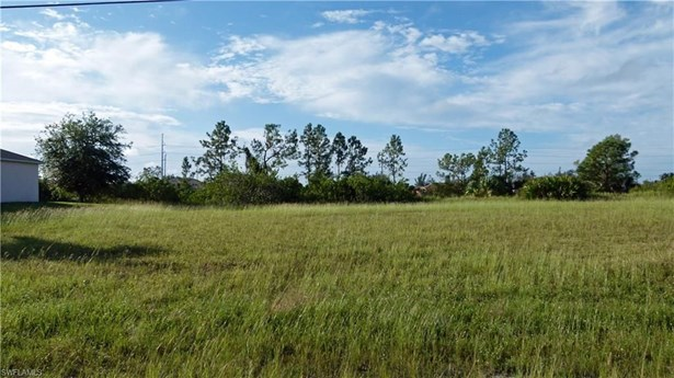 614 9th St, Cape Coral, FL - USA (photo 2)