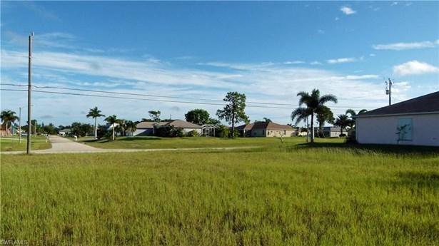 614 9th St, Cape Coral, FL - USA (photo 4)