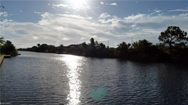614 9th St, Cape Coral, FL - USA (photo 5)