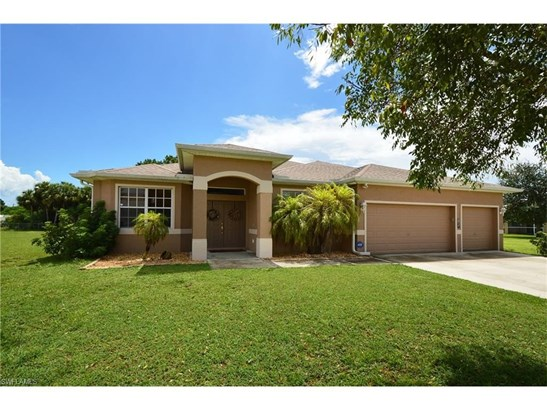 476 Shadow Lakes Dr, Lehigh Acres, FL - USA (photo 1)