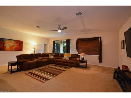 476 Shadow Lakes Dr, Lehigh Acres, FL - USA (photo 2)