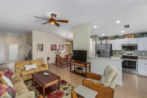 2481 Belleville Ct, Cape Coral, FL - USA (photo 2)