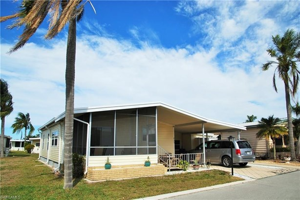 435 Snead Dr, North Fort Myers, FL - USA (photo 2)