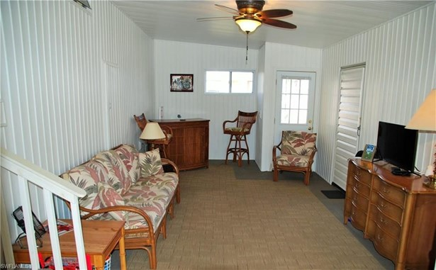 435 Snead Dr, North Fort Myers, FL - USA (photo 3)