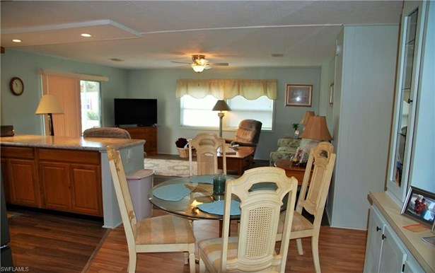 435 Snead Dr, North Fort Myers, FL - USA (photo 5)