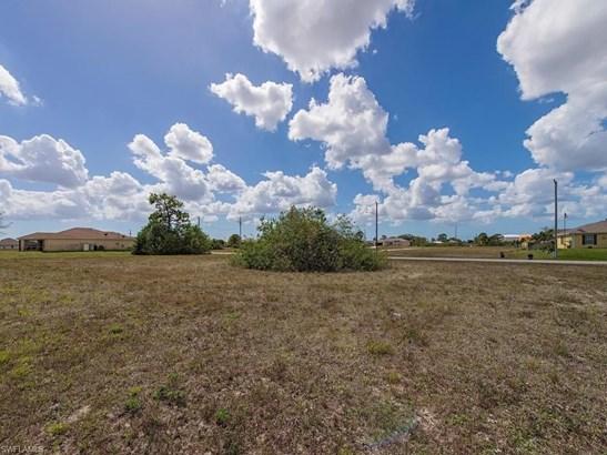 2219 8th Pl, Cape Coral, FL - USA (photo 4)