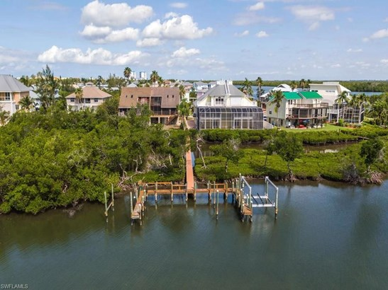 21533 Indian Bayou Dr, Fort Myers Beach, FL - USA (photo 2)