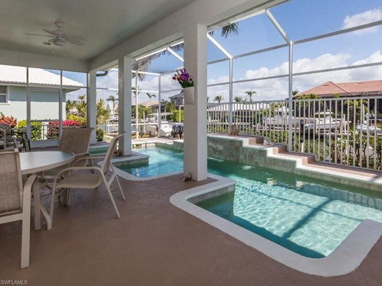 692 Cameo Ct, Marco Island, FL - USA (photo 2)