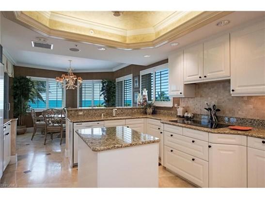 8665 Bay Colony Dr 404, Naples, FL - USA (photo 5)